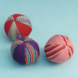 Balls Small (set of 3) WSDO-G001 Size: 15cm (circumference) Weight: 40g