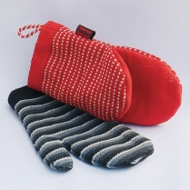 Kitchen Glove 1 WSDO-J005 Size: 28x16x2cm Weight: 75g and Kitchen Glove 2 (striped design) WSDO-J006 Size: 27x15x5cm Weight: 100g