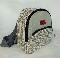 U Back Bag Small Size : 23cm x 20cm x 9cm Code : WSDO D009
