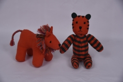 Lion Doll Size : 19cm x 11cm x 4cm Code : WSDO G031 Tiger Doll Size : 20cm x 13cm Code : WSDO G031